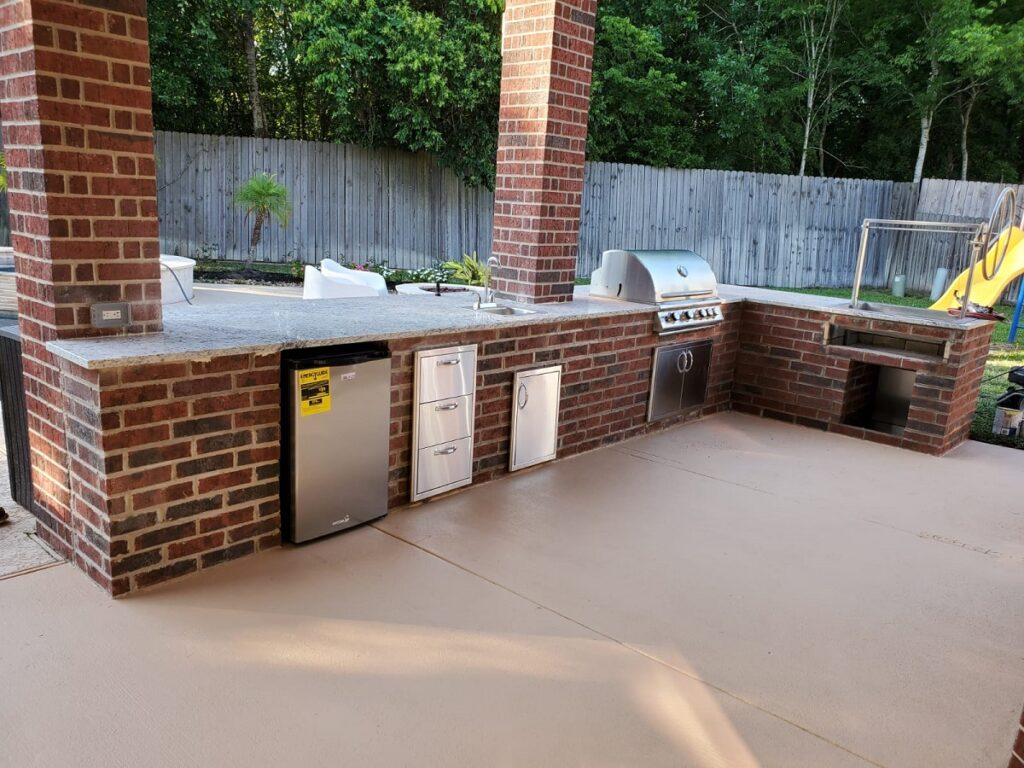 Company to build an Outdoor kitchen - Texas