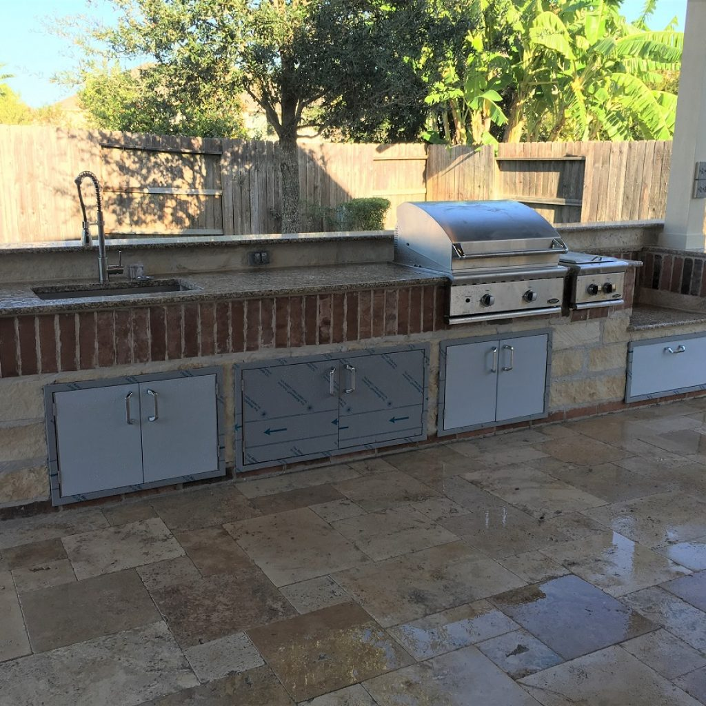 Company to build an Outdoor kitchen in Texas