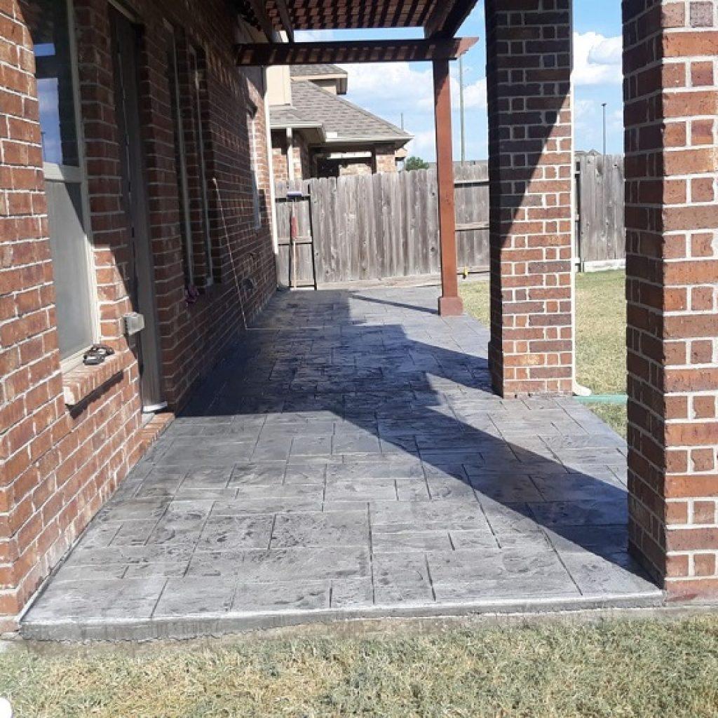 Company to build a concrete rooding