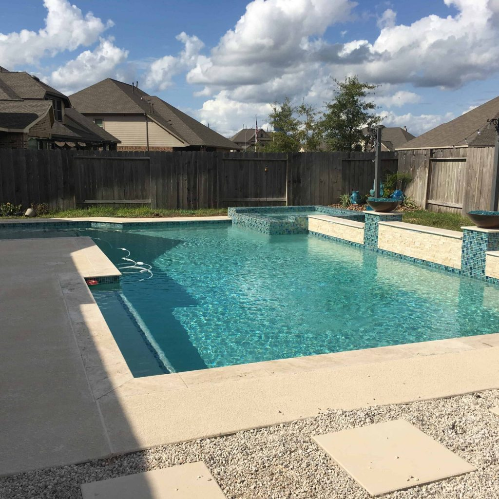 Company to build Pool and Spas - Texas