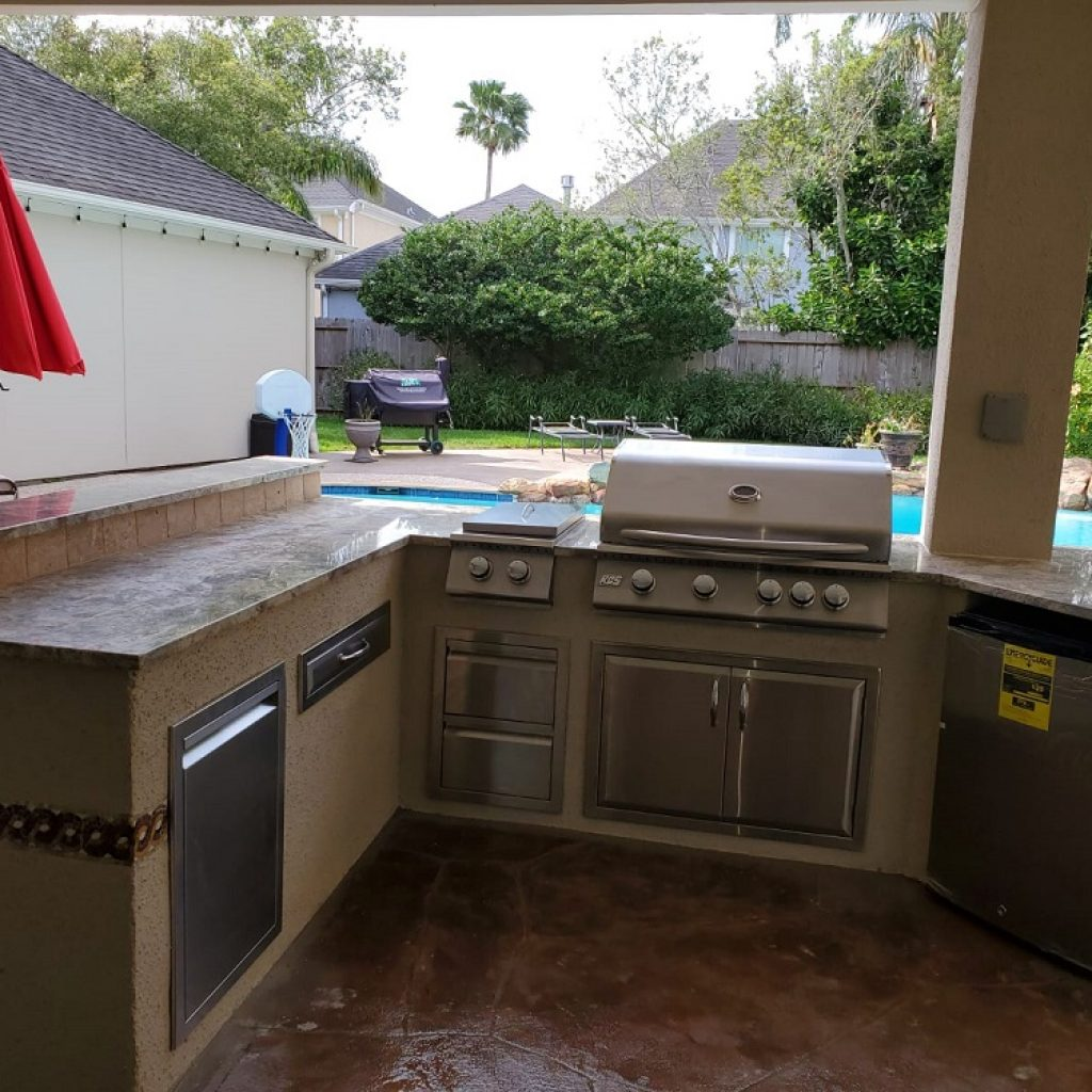 Company to build Outdoor kitchen - Texas