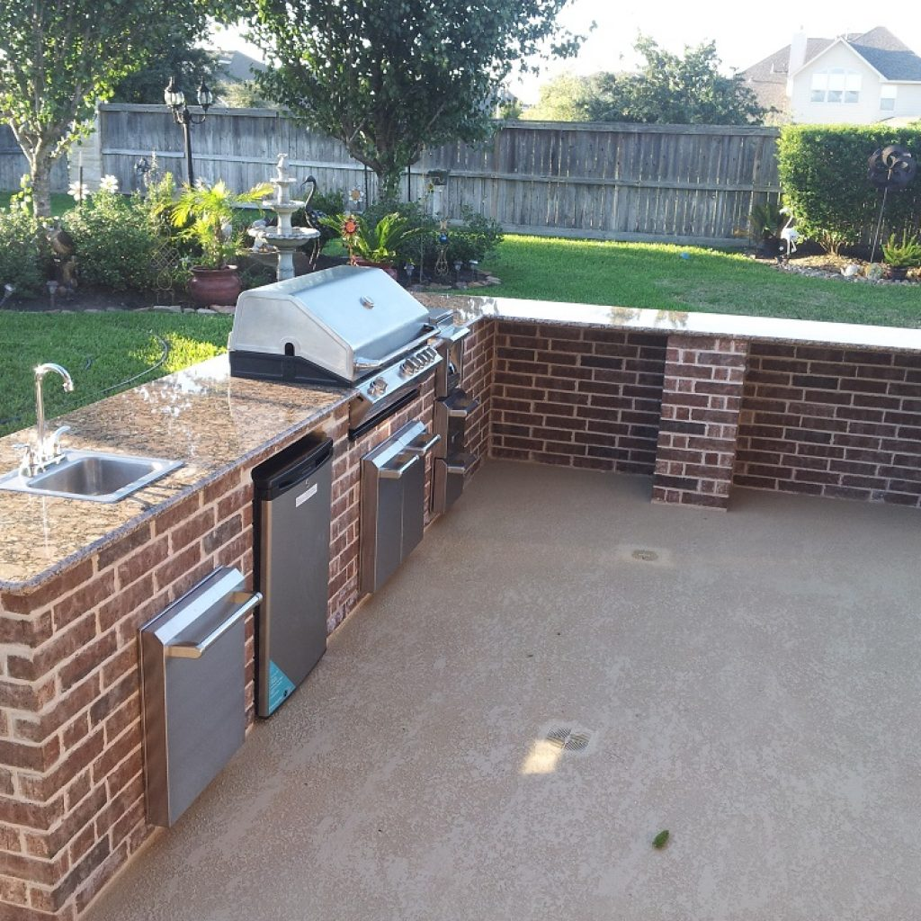 Company to build an Outdoor kitchen - Texas construction plus